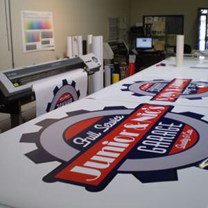 Design vinyl signs and banners online